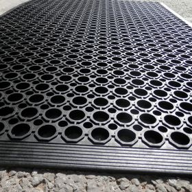 Heavy Duty Rubber Mat - With Border
